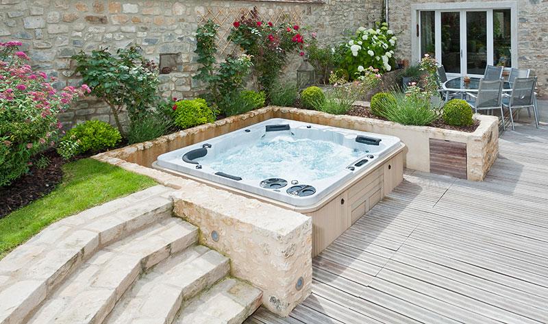 whirlpool zentrum s dwest hydropool whirlpools. Black Bedroom Furniture Sets. Home Design Ideas